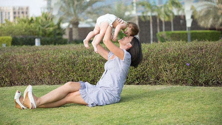 La actividad cerebral de los bebés y sus padres se sincronizan mientras juegan