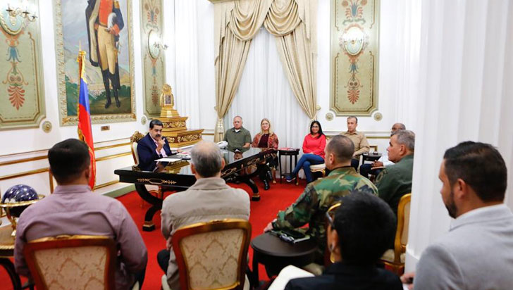 """Maduro dice que reventará """"los dientes"""" a Colombia y Brasil en caso de agresión"""
