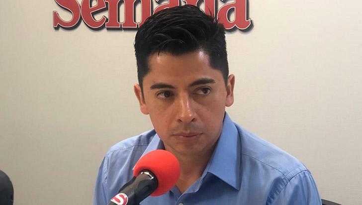 Ariel Ávila denuncia panfleto amenazante contra Claudia López y otros líderes políticos