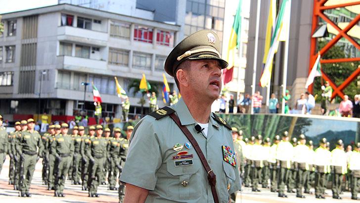 José Luis Ramírez recibe la Policía Quindío con el deseo de posicionar la paz