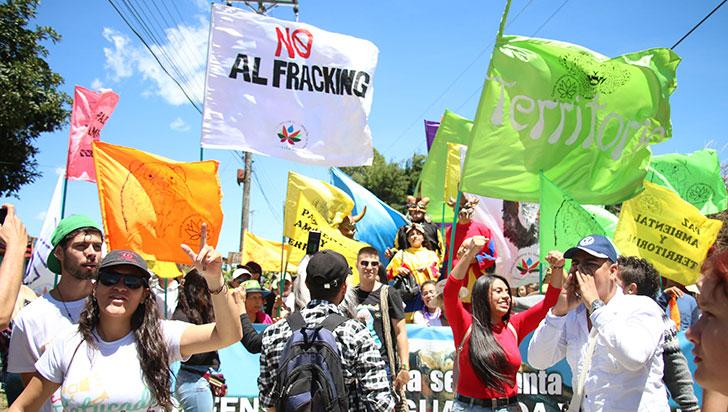 """Proyecto piloto de fracking: """"puede dar luces""""; """"propuesta es riesgosa"""""""