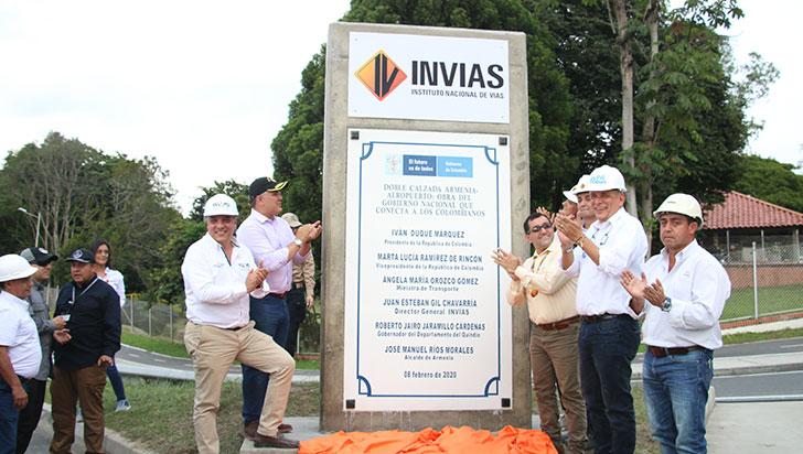 Presidente Duque inauguró 8.4 kms de doble calzada; bicirruta, la deuda
