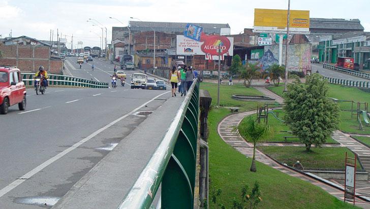 Tránsito por los puentes de la calle 26 fluye con normalidad