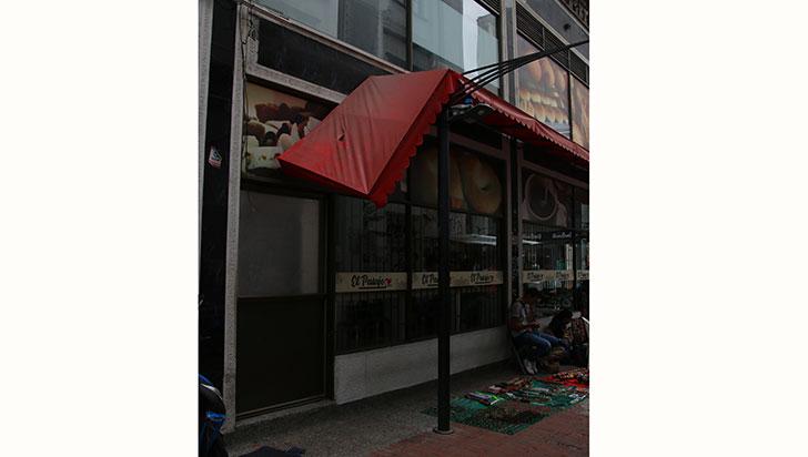 Comerciantes del centro, víctimas de robos nocturnos en sus negocios
