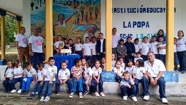 En sus 115 años, Club Rotario embelleció un colegio rural