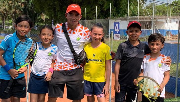Tenistas del Bolo, homenajeados por nivel en regional infantil