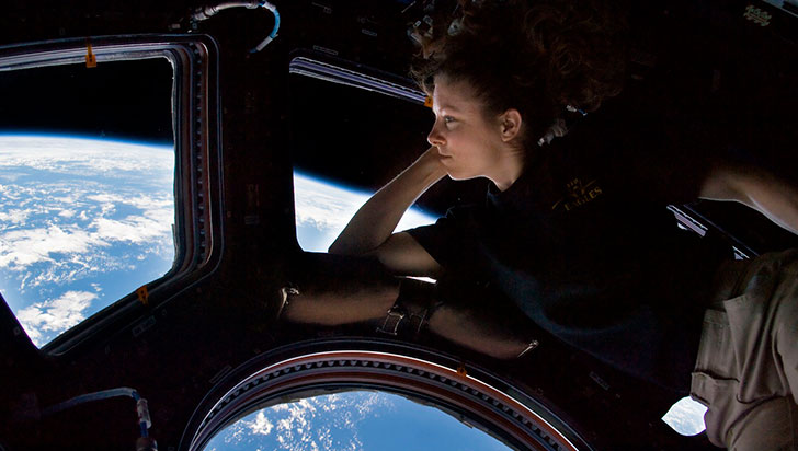 Astronautas dicen que el confinamiento hay que vivirlo como una misión