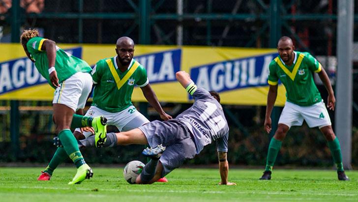 """Duque descarta el regreso del fútbol colombiano porque """"no hay condiciones"""""""