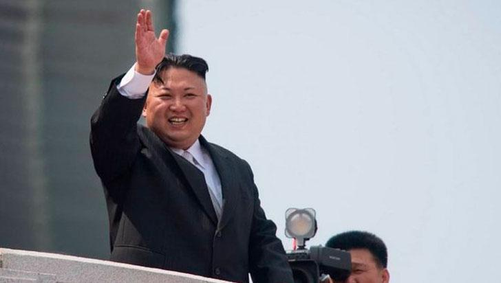 Kim Jong-un reaparece en los medios tras los rumores sobre su salud