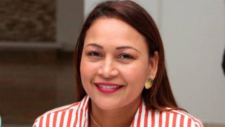 Alcaldesa es suspendida por ir a una fiesta durante cuarentena