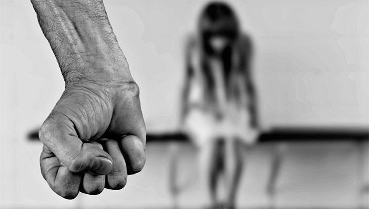 A prisión hombre que habría abusado de 2 mujeres