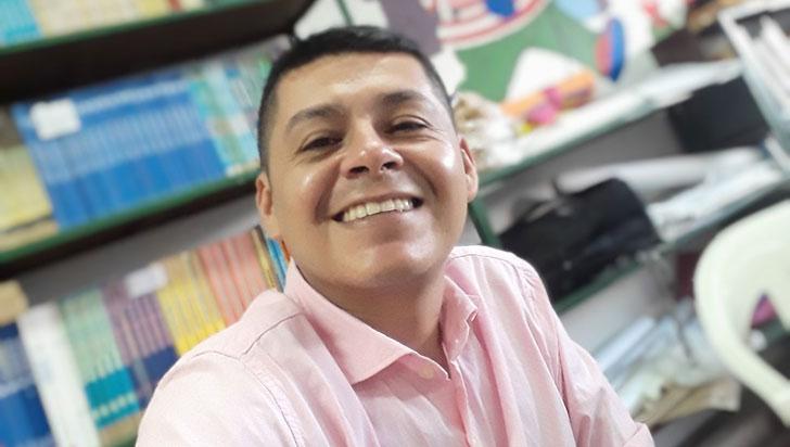 Alejandro Rubio, el profe que recomienda libros y da clases de ortografía por Youtube