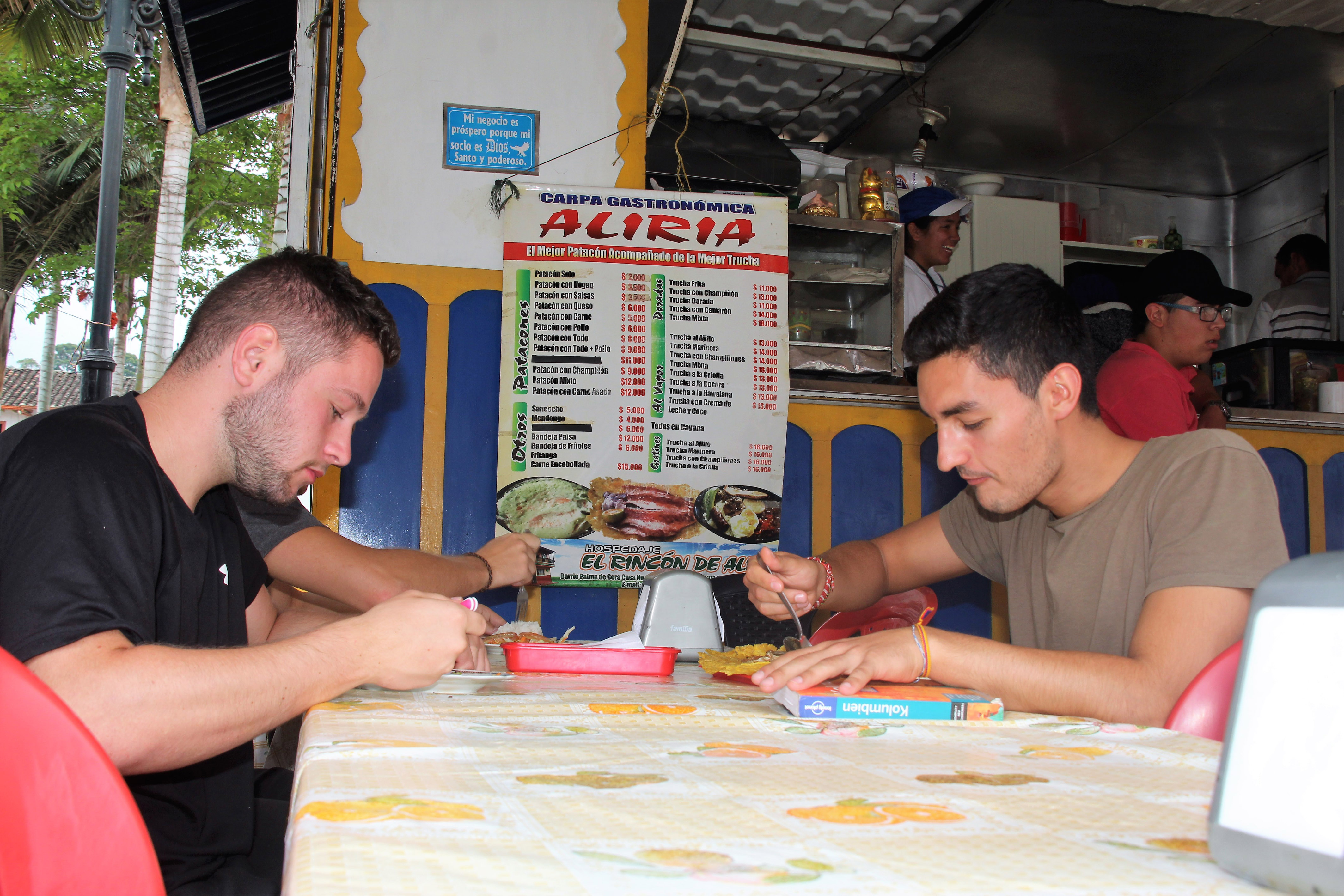Alrededor de 200 restaurantes tendrían licencia para brindar el servicio en mesa
