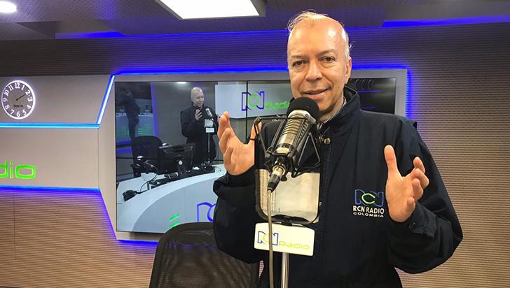 A la radio no hay que llegar a formarse, hay que llegar formado: Julián Parra Díaz