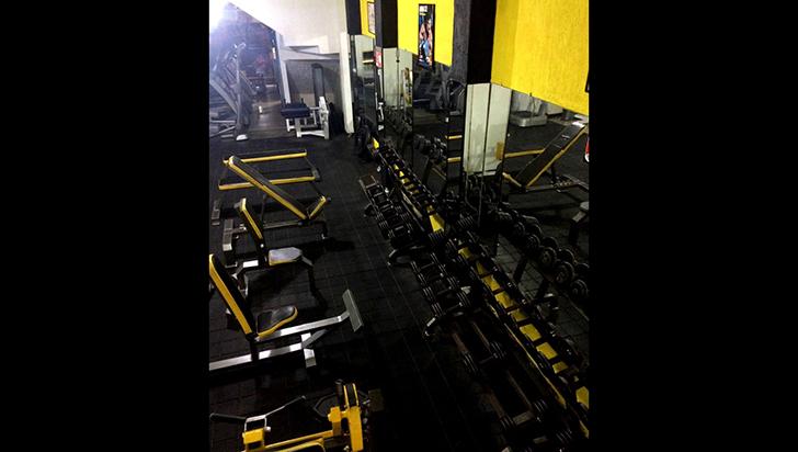 """""""No hacíamos ejercicio, vendíamos una máquina"""", propietario de gimnasio sellado"""