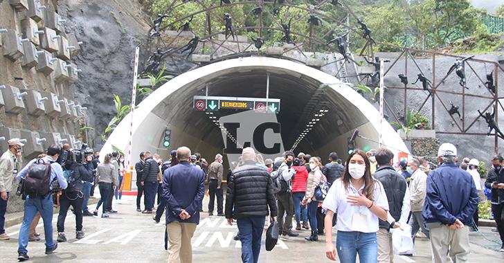 4 funcionarios del Invías, que participaron en inauguración del túnel, dieron positivo para COVID