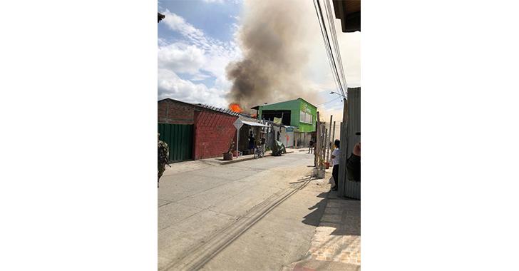 Controlado incendio en el municipio de La Tebaida