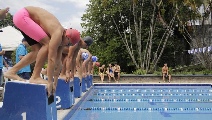 Pese a autorización, natación quindiana no tiene piscinas oficiales para entrenar