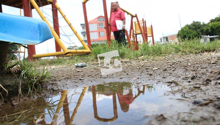 Ordenan reparar canchas, gimnasio y juegos infantiles del barrio Ciudad Dorada