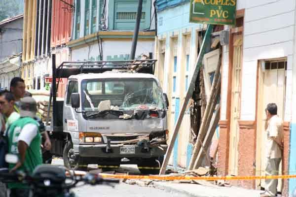 Camión causó muerte a señora y dañó vivienda en calarcá