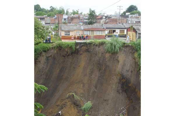 Gobierno destinó $180 millones para muro de contención en Villa Liliana