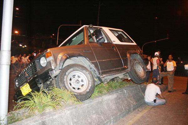 Tres vehículos implicados en fuerte accidente de tránsito