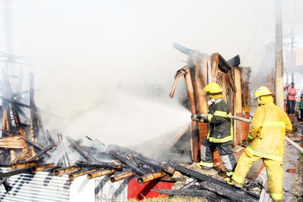 Se incendió una casa en la 'Curva del Diablo'