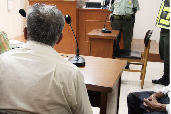 Cargos contra maestro y fotógrafo por presunto abuso a niña