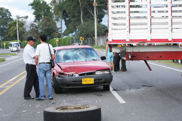 Accidente en vía Armenia, La Tebaida sin lesionados