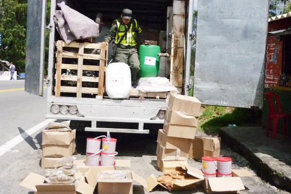 En La Línea incautan alimentos transportados con veneno