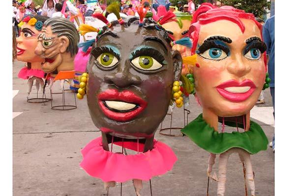 Carnaval de Negros y Blancos, tradiciones y diversión en grande
