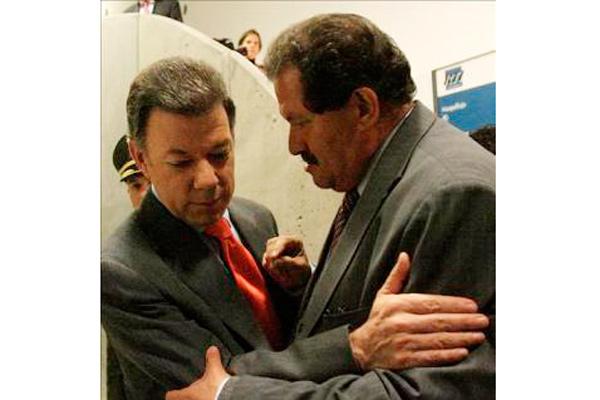 Un detective del DAS asegura que Santos conocía el espionaje a embajadas en Bogotá