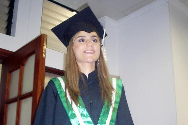 Jennifer Cañaveral es la primera estudiante con discapacidad auditiva en Colombia que se gradúa en arquitectura