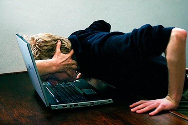 Redes sociales crean adicción al ciberespacio