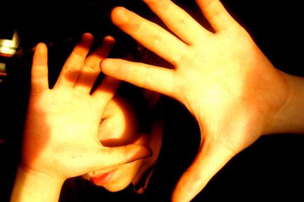 La fotofobia podría presentarse a causa de una enfermedad mayor