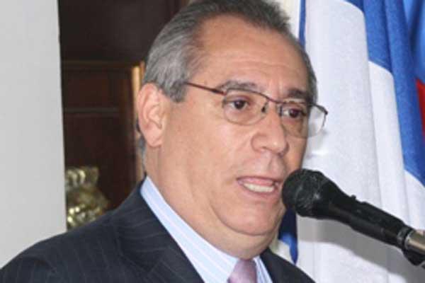 Luis F. Duque ocupará la curul dejada por Amparo Arbeláez