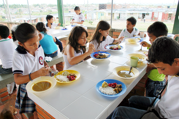 A la semana por almuerzos escolares la cr nica del for Comedores escolares en colombia