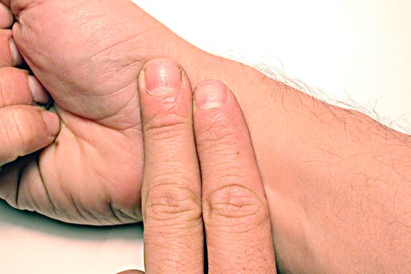 Aprenda  a tomarse el pulso