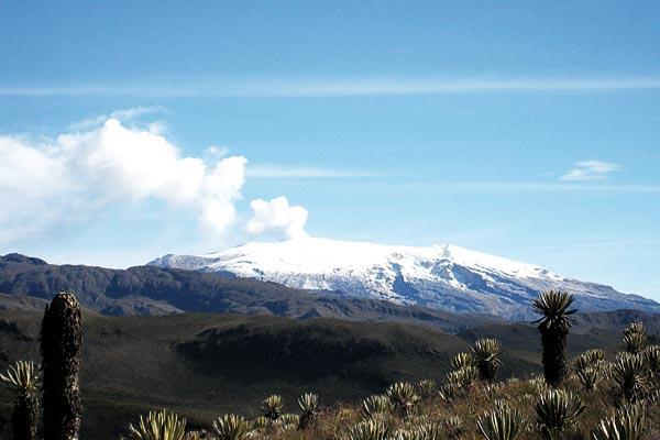 El nevado del Ruiz de  nuevo abierto al público