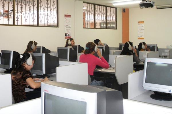 Programa de Lenguas Modernas de U.Q.  celebra 45 años