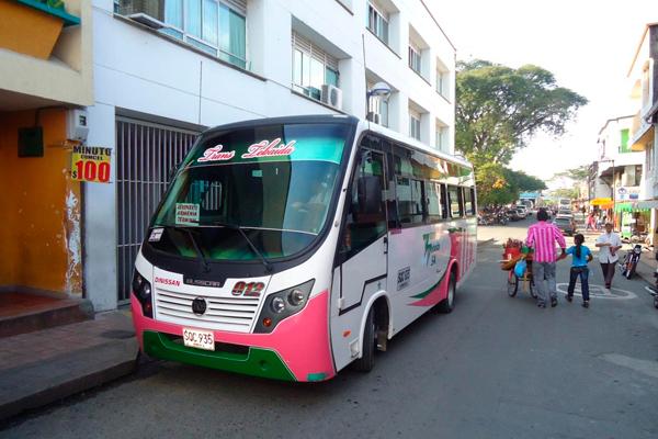 Los buses de transporte p blico cambiar n rutas en la for Oficina transporte publico