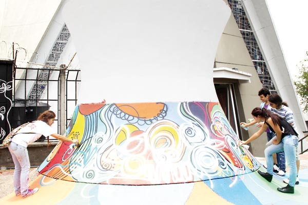 Ruta del muralismo transformará 12 sitios tradicionales de Armenia