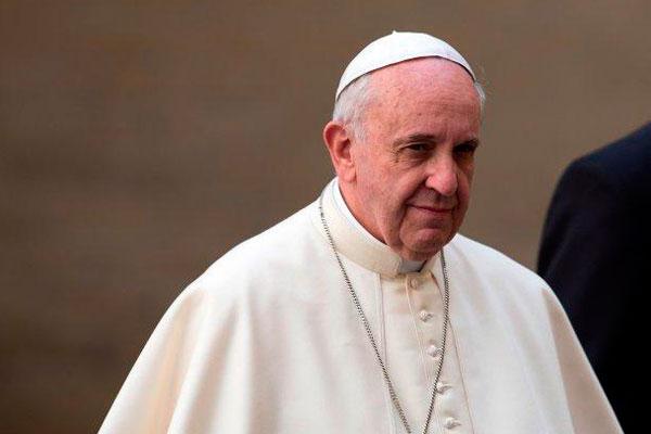 el-papa-enfadado-por-la-lujosa-comida-durante-las-canonizaciones
