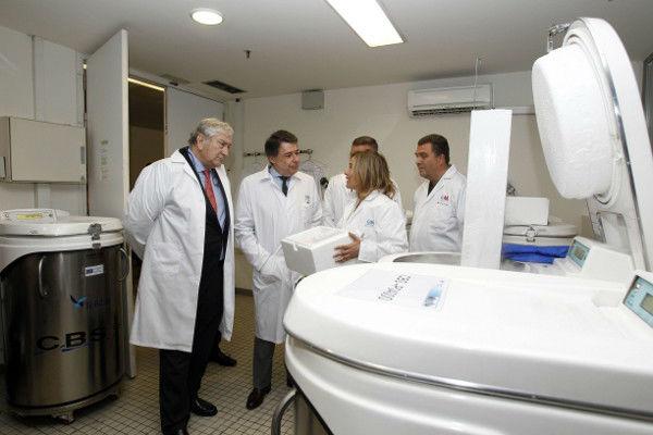 Investigadores españoles presentan gel contra transmisión de sida