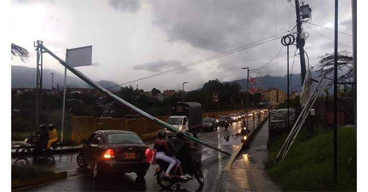 Inundaciones, caída de árboles y valla, saldo de lluvias en Armenia