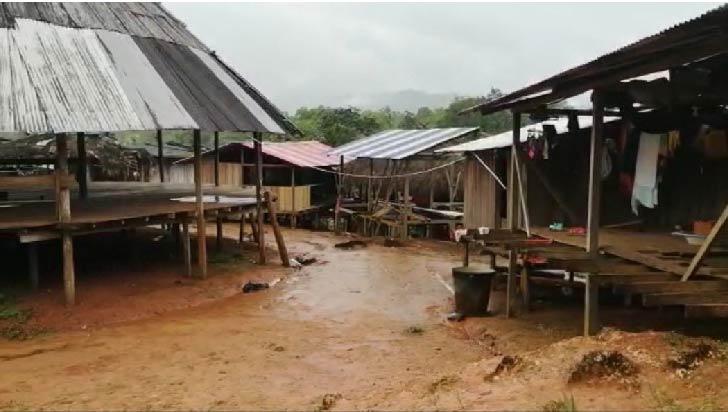 Grupos armados desplazan de sus tierras a más de 900 indígenas en Bahía Solano