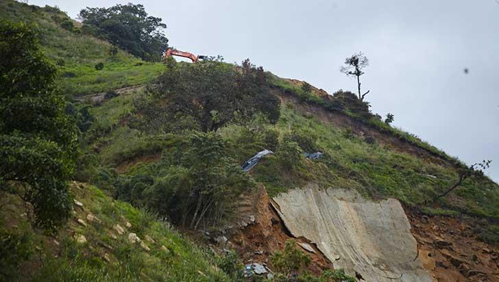 Una hora más tardarán viajeros que tomen vía  alterna al túnel de La Línea para llegar al Quindío