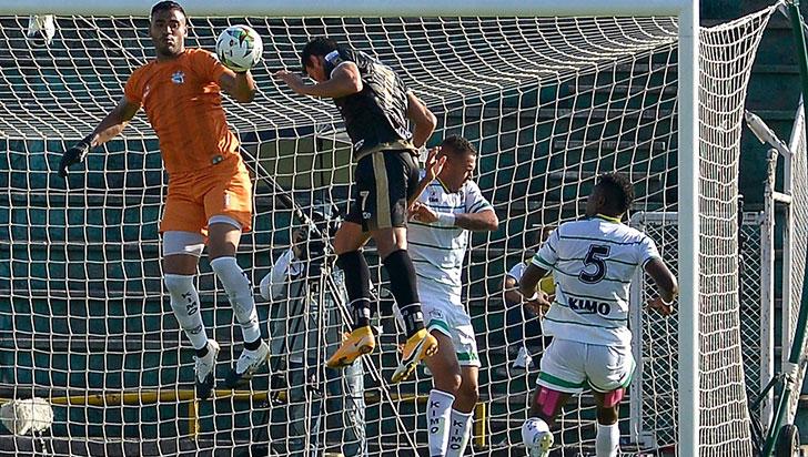 Los cafeteros vencieron de visita 1-0 a Llaneros, con anotación del goleador Diber Cambindo