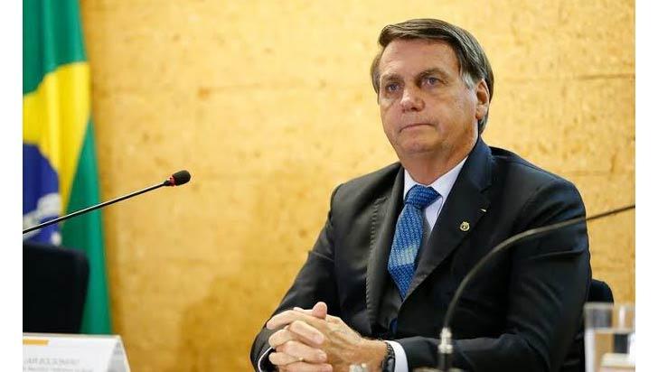 Bolsonaro insiste contra el confinamiento con la pandemia acelerada en Brasil