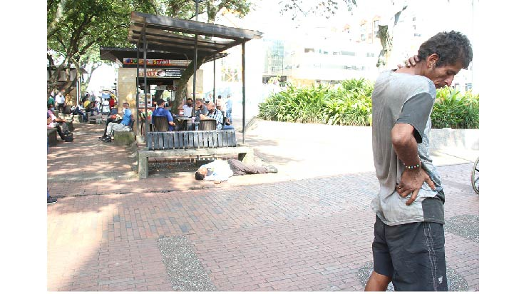 Habitantes de calle encontraron su  lugar en la plaza Bolívar de Armenia
